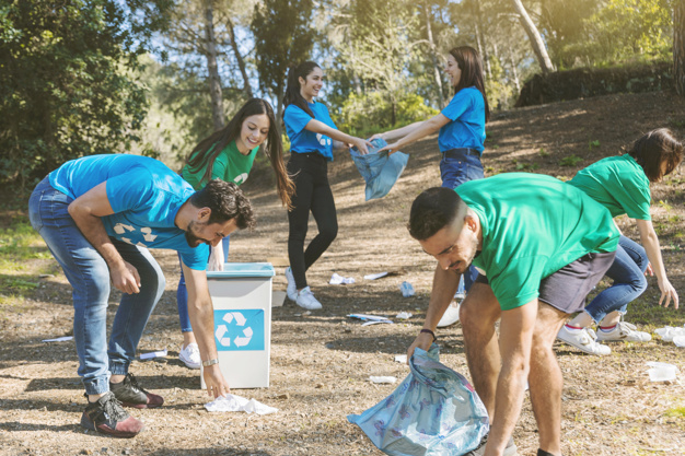 volunteers-cleaning-up-nice-woods-waste-management